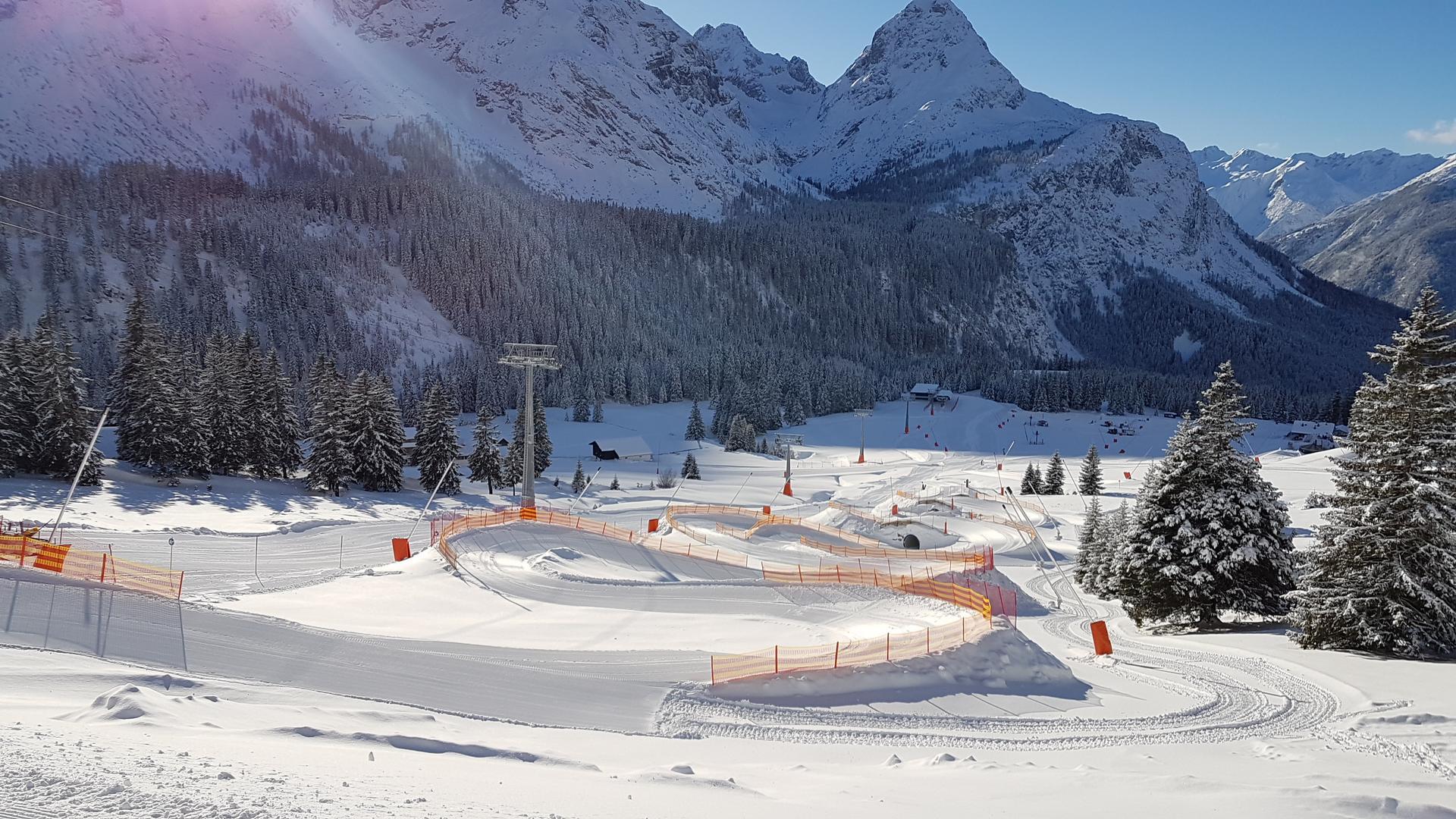 Geffnete Freizeiteinrichtungen   Tiroler Zugspitz Arena